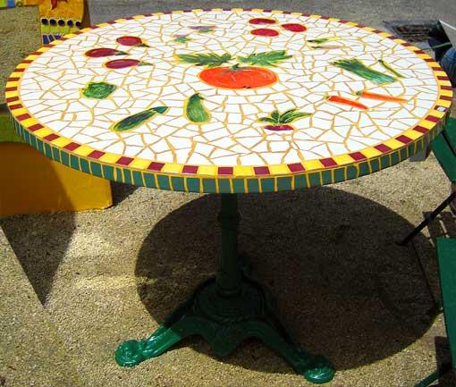tables en mosaique mobilier sur enperdresonlapin. Black Bedroom Furniture Sets. Home Design Ideas