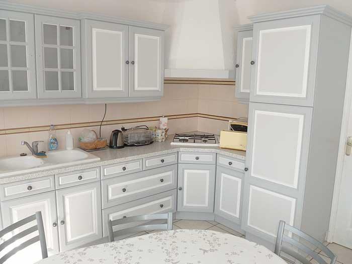Meubles peints decoration faux bois faux marbre trompe for Image de cuisine amenagee