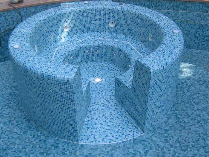 Decoration d interieur revetement des murs et sols jean for Colle pour mosaique piscine